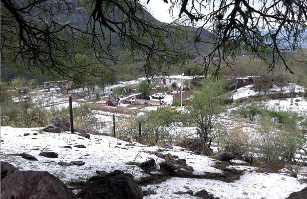 Sorpresiva granizada en Tlaltenango