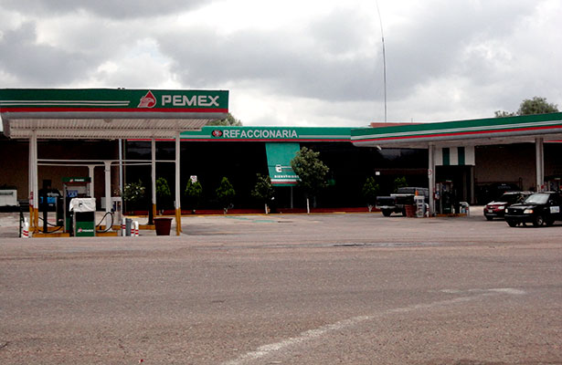 Servicio regular en gasolineras de Jerez
