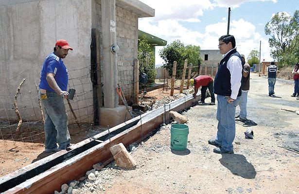 Supervisa alcalde obras en Hacienda Nueva