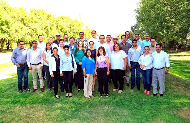 Reunión Tello-alcaldes electos priistas