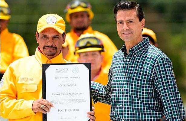 Combatiente zacatecano recibe reconocimiento nacional