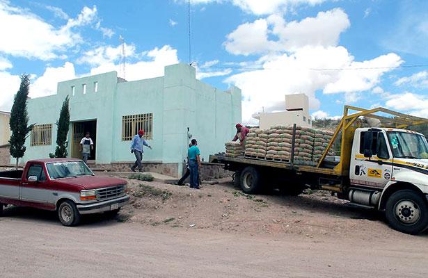 Construyen aula de medios en Las Bocas