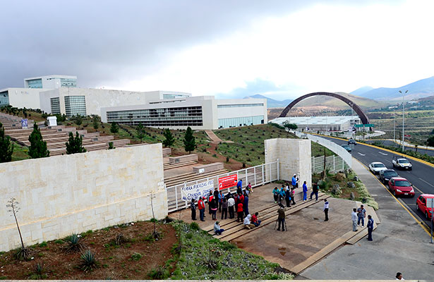 Cumple amenaza MDMZ, toma Ciudad Administrativa