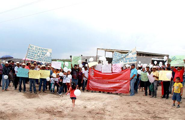 Se manifiestan contra Trijez en Mazapil