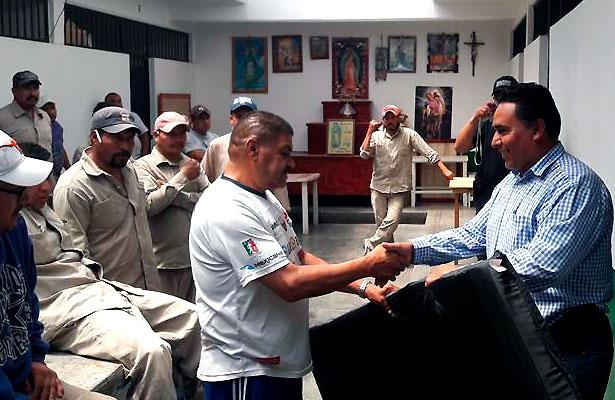 Alcalde de Villa Hidalgo visita cárcel de Pinos