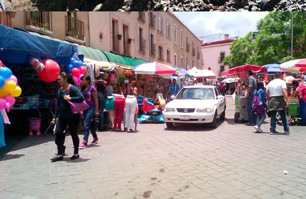 Piden liberar acceso a Plaza Bicentenario