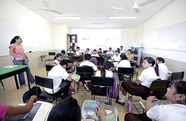 Seduzac retiene salario a cinco profesores