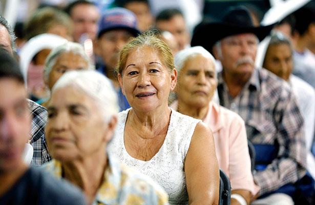 Mil 500 adultos se afilian al Inapam al mes