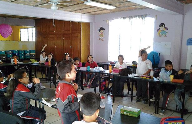 Más de 300 mil alumnos regresarán a clases