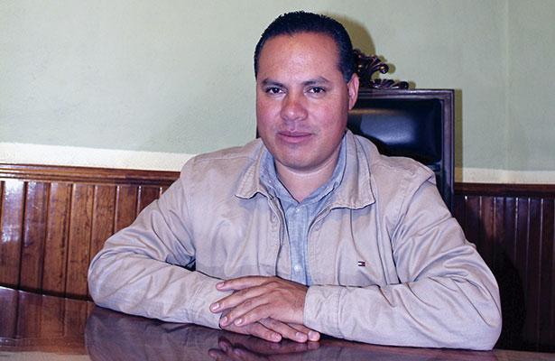 Alcalde de Pinos satisfecho con sus obras