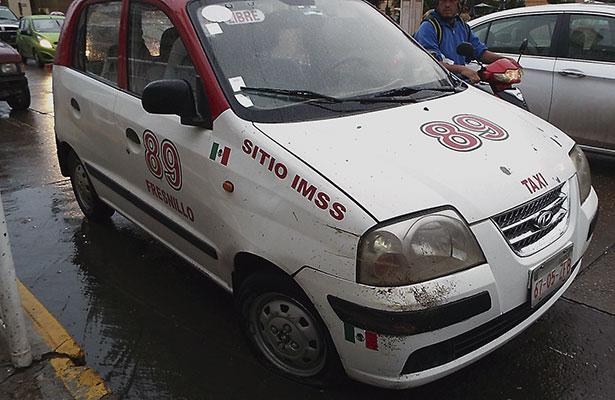 Taxista provoca accidente en Fresnillo