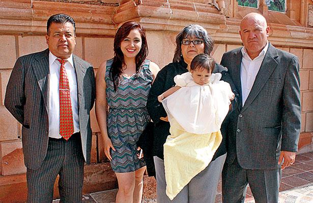 Bautizaron a la pequeñita Tali Adriana