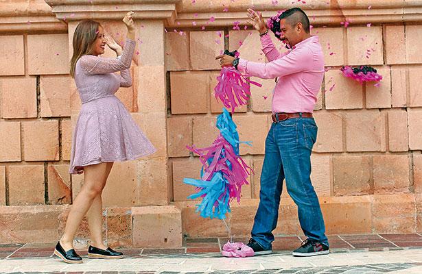 Adilene y Adrián realizan ritual del globo