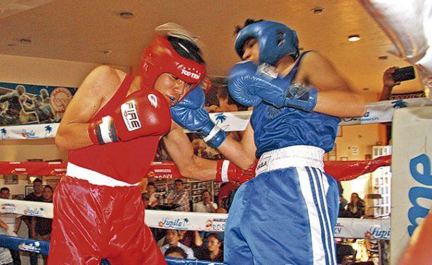 Boxeadores se miden en el ring de Ojo de Agua