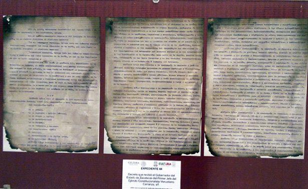 Exponen facsímiles sobre la Constitución de 1917