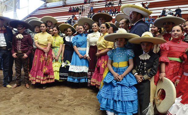 Charritos zacatecanos a la Nacional de Charrería