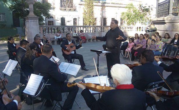 Orquesta Típica inauguró las Tardecitas de Abril
