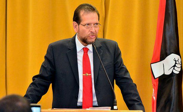 Advierte Pedro Martínez: ahogan deudas a la UAZ