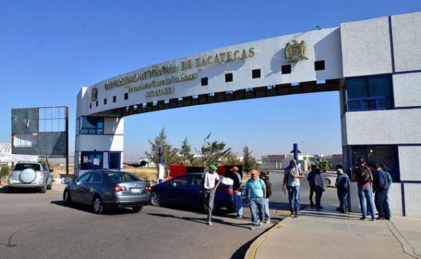 Presentan docentes demanda laboral contra la UAZ