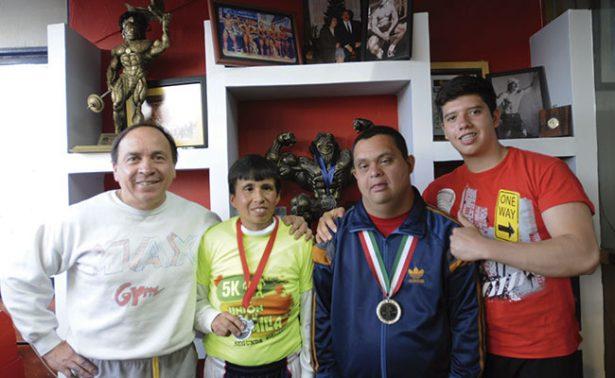Atletas especiales van por las medallas