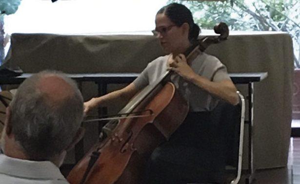 Andrea Sullivan ofreció recital de violonchelo