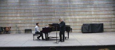 Alumnos de la UAZ sorprenden con recital de flauta