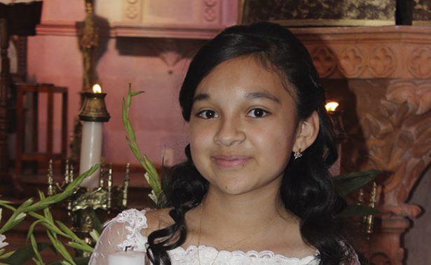 Jessica Valeria realizó su primera comunión