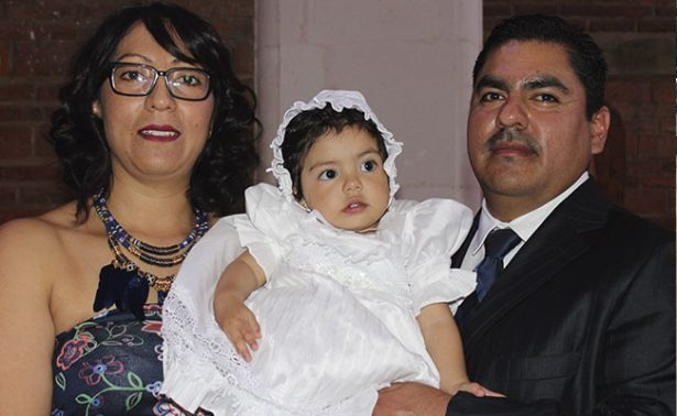 Daniela recibió el sacramento del bautismo