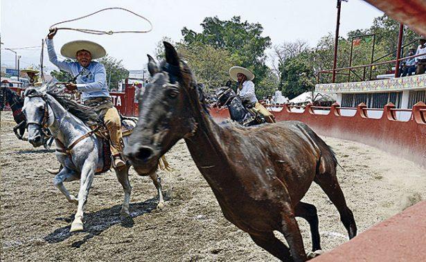 Los charros zacatecanos entrarán al lienzo charro