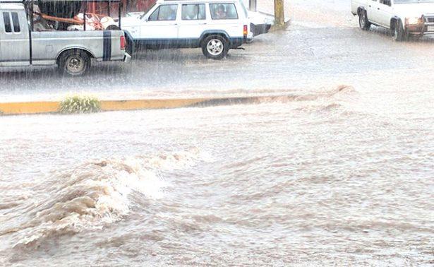 [Video] Resbalones y encharcamientos… Llovió en Zacatecas