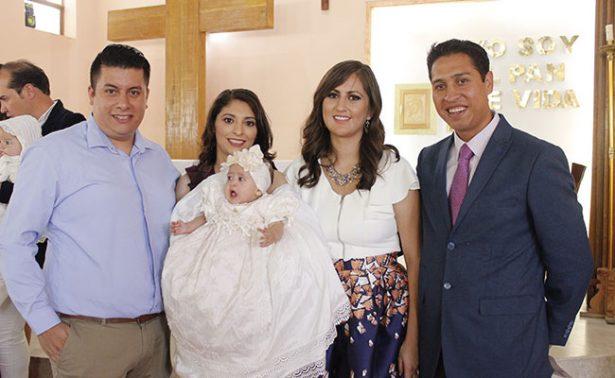 Samantha Eilette recibió su primer sacramento