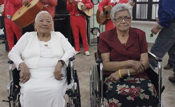 Un doble festejo para las hermanas Campos López