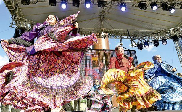 Zacatecas emociona con sus bailes típicos