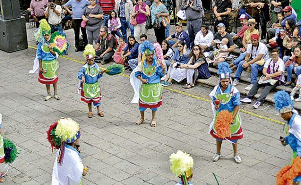 Danza La Pluma difunde las tradiciones de Pinos