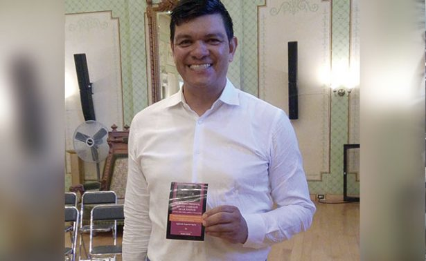 Sigifredo Esquivel presentó su libro en Zacatecas