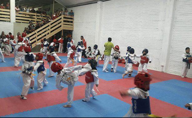 Fresnillenses en marcha al campeonato de taekwondo