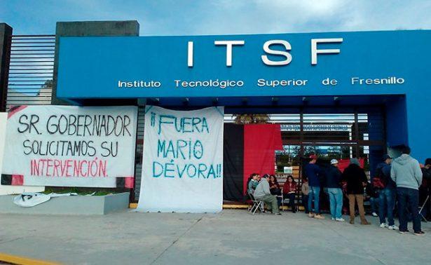 Toman estudiantes y sindicalizados el Tecnológico de Fresnillo