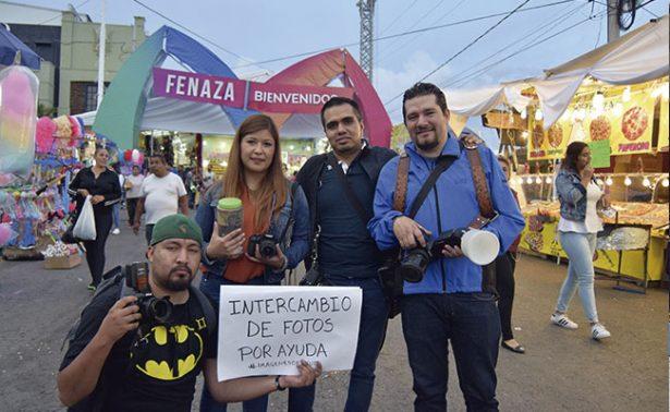 Fotógrafos cambian fotos por víveres para damnificados