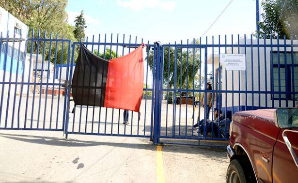 Continúan banderas rojinegras en Filosofía UAZ