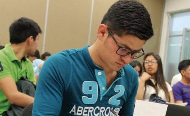 Cuentan con beca del Cozcyt 828 estudiantes