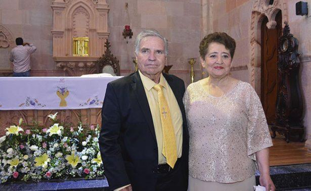 Cecilia y Anselmo celebran 50 años de matrimonio