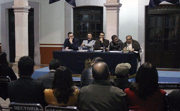 José Juan Espinoza presentó su obra literaria