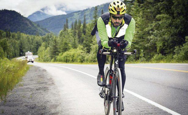 El triatleta Van Sánchez se prepara para el 2018