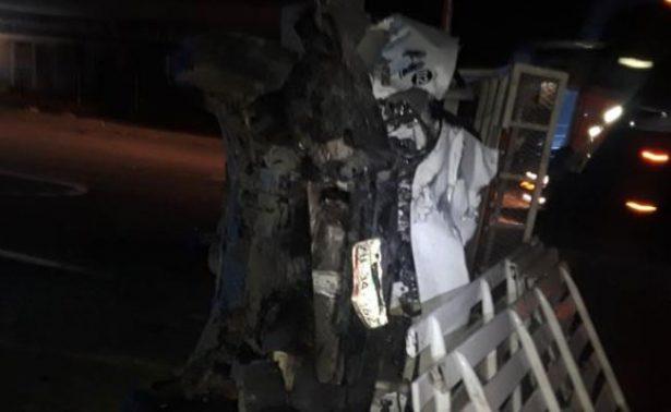 Zacatecanos protagonizan aparatoso accidente en Durango