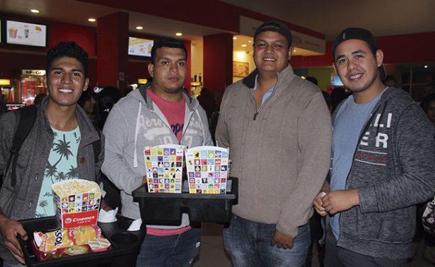 Un buen plan es salir al cine con los amigos