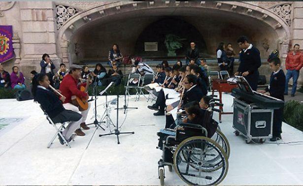 Personas con discapacidad conformarían grupos artísticos