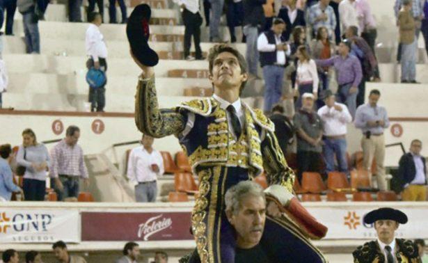Castella salió en hombros con dos orejas en mano