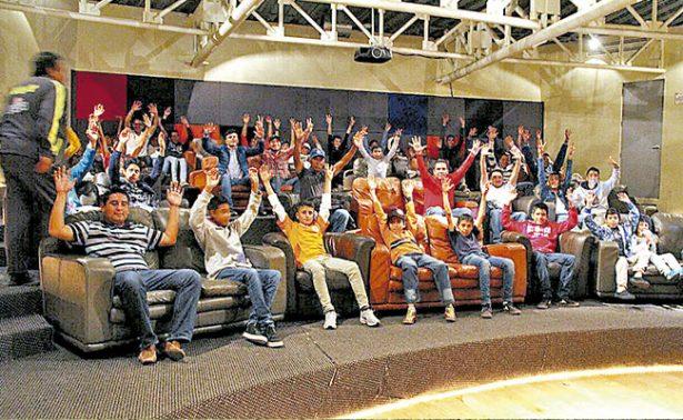 Futbolistas zacatecanos visitan el Club Pachuca