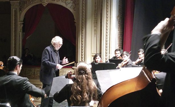Espectacular concierto de Ernesto Acher y la Camerata