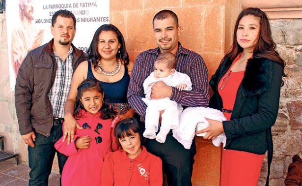 Ángel Macías recibió su primer sacramento